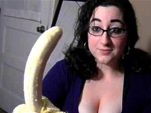 Banana Chupando Morena De Peito Grande Porn