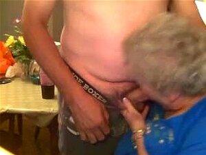Claudemir De 1fuckdate.com - Na Boquete Vovó Porn