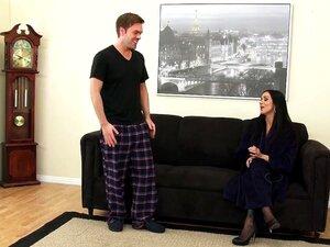 Escandalosamente Boa Madrasta Nadia Ama O Jovem Dick Porn