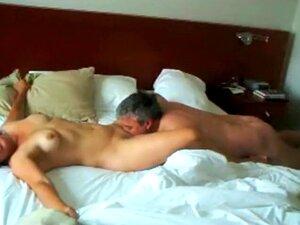 Espiar Um Milf A Ter Um Orgasmo Explosivo, Esta Câmara Escondida Num Quarto De Hotel Apanhou Algo Muito Raro. Um Tipo Trabalhador Lambia, Lambia E Apalpava O Orgasmo De Uma Mulher Madura Como Uma Louca E Ela Gemia Tudo Para Um Orgasmo Barulhento E Explosi Porn