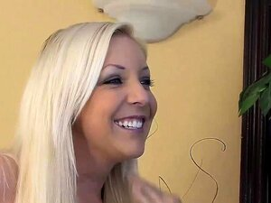 A Holly Sexy Adora Montar Pilas Grandes Porn