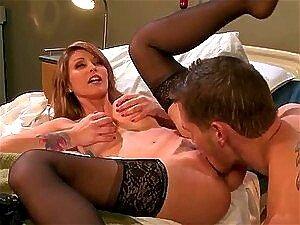 Monique Alexander é Uma Médica Gostosa E Cheia De Tesão Que Sabe Que Uma Foda Deliciosa é A Cura Para O Paciente. Porn