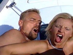 Três No Barco Porn