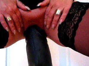 Apenas Os Vibradores Maiores Podem Satisfazer Sua Insaciável Buraco Porn