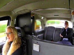Feminino Fake Táxi Hot Loira Peituda Chupa E Fode Sua Tarifa De Empresário Porn