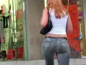 Atrevida Demais Em Jeans Preto Tem Uma Bunda Muito Grande Atlética Porn