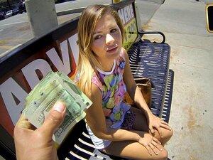 A Keisha Grey Fala De Dinheiro, A Keisha Fode, E Eu Deparei-me Com A Keisha à Espera Numa Paragem De Autocarro. Ela Estava Na Cidade A Visitar Uns Amigos Da Ensolarada Florida E Eu Aproximei-me Dela Para Lhe Perguntar Se Ela Alguma Vez Pensou Em Ser Model Porn