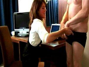 Gata Do Escritório CFNM Faz Dele Cum Porn