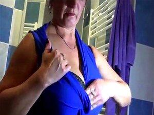 Velha Senhora Mostrar Seus Bens Porn