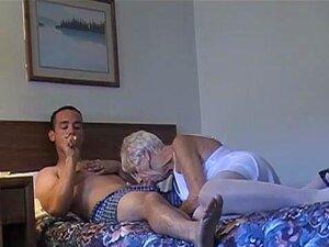 Velhinha De 70 Anos Com Garanhão Velho De 20 Anos, Porn