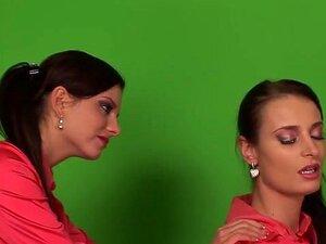 Incrível Pornstar Silvia Sol Na Masturbação Fabulosa, Clip Xxx Europeu. Este Vídeo De Monika Benz E Silvia Sol Lingerie Masturbação Mostra Que Um Orgasmo De Costura Deve Ficar Parecido. Encantadoras Senhoras Deixando Tudo Na Sua Tela Como Eles Aprofunde-s Porn