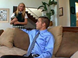 Tesão A Pornstar Natalie Norton Incríveis A Faculdade, Facial Filme Pornô  Sexy  Loira, Natalie Norton, Jogando Com 18 Anos, Estudante, Completa Com Uniformes, Mete Com Uma Bem Pendurado Homem Que Empurra O Seu Grande Ferramenta Em Seu Bichano Apertado Ra Porn