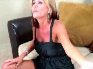 Vadia Madura Cougar Joga Com O Galo Porn