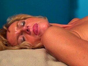 Safada Real Vovó Brincando Com Sua Buceta Velha Porn