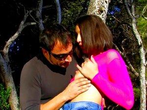 Puta Espanhola Em Meia Arrastão Fica Assfucked Na Floresta Porn