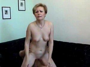 Vídeo Caseiro Louco Com Cenas Jovens E Velhas Da MILF, Porn