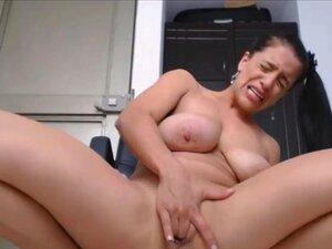 Milf Peituda Latina Lamber Os Dedos Depois Um Esguicho Cremoso Porn