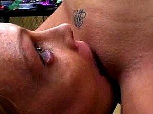 Lambendo Raspada Buceta De Menina Amarrada Porn