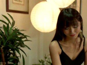 A Casa De Massagens Marica Hase. A Belíssima Japonesa Marica Hase Dá-nos Uma Cena Incrível Com Sexo áspero E Bondage! Neste Papel De Fantasia, Marica Trabalha Em Um Salão De Massagens Como Uma Prostituta E é Presa Por Um Policial Disfarçado Renegado. Ele  Porn