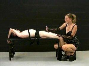 Amante Loira Masturba A Amarrada Escravo E Demandas Por Mais Porn