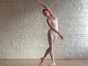 Ballerina Annett & Naked Classic Porn