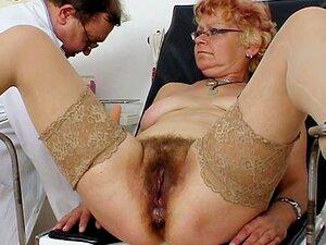 Cona Peluda Abre Com Um Espéculo Porn
