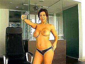 Senhora Quente Tetuda Acha Um Online Pinto Grande Para Vir Satisfazendo Ela Porn