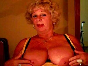 Andrea De Vovó Mostra As Tetas Suculentas Porn