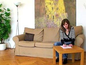 A Velha Professora De Lésbicas Checa Ensina Os Seus Alunos Adolescentes Primeiro Sexo Lésbico Porn