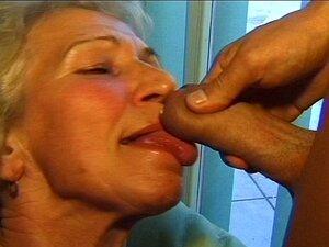 Mãe Velha Louca Obtém Grande Galo Oral E Na Buceta Profunda Porn