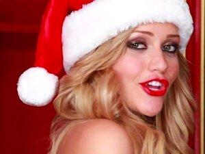 Mia Malkova Esfrega A Buceta No Natal Porn