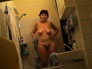 Minha Mãe Completamente Nua No Banheiro, Porn
