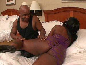 Bunda Negra Gorda Parece Maravilhosa Em Uma Cena De Hotel De ébano Porn