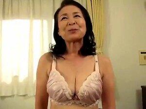 Um Vídeo Caseiro Incrível Com Mamas Grandes, Cenas Asiáticas., Porn