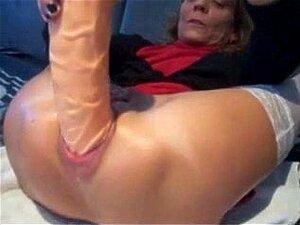 MT Sexy Piercings - Vovó Furada Com Enorme Brinquedo Anal Porn