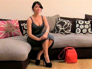 Uma Miúda Amadora Britânica Gira Faz Sexo No Casting. Porn