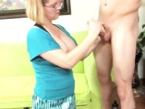 Madura Vadia Quer Esperma Na Cara Dela Então Ela Acaricia-lo Porn