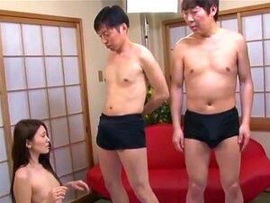 Legendado Japonês AV Star Mona Takei Broche Lineup. AV Star Mona Takei Em Um Evento De Sexo Em Grupo Muito Bizarro Com Uma Formação De Broche único, Onde Ela Saboreia Mais De Meia Dúzia De Pilas Em Preparação Para O Evento Principal Com Legendas Em Inglês Porn