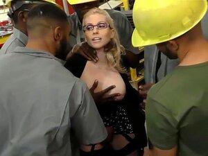 Loira Peituda Christie Stevens Obtém Anal De Grandes Galos Pretos Porn
