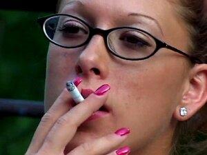 Fumando Fetiche Rochelle 2 Por Smoker58 Porn