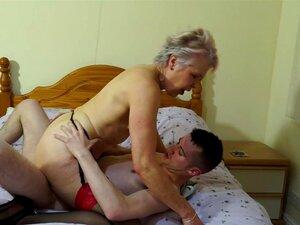 A Avó E A Mãe Fodem Amantes Adolescentes Sortudos Porn