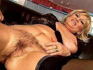 Mulher Velha Fica Fodida Por Máquinas Porn