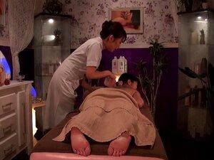 Massagens Sensuais E Eróticas Com óleo Transformam-se Em Prostitutas Lésbicas. Porn