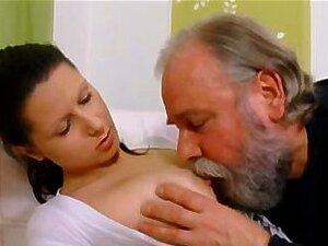 Sexo Anal Desejo Adolescente Implora O Homem Mais Velho A Levar Sua Passagem De Volta Porn