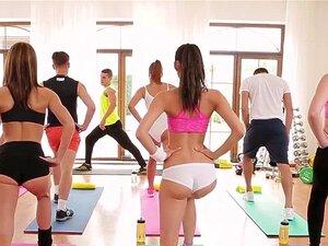 O Treinador De Fitness Fode Boazonas No Ginásio Porn