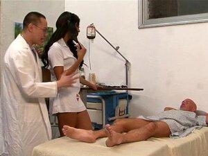 Fetiche Tgirls Pés Jizzed. Os De Tgirls Pés Fetiche Pau Gobbling Enfermeira Superar Jizzed Porn