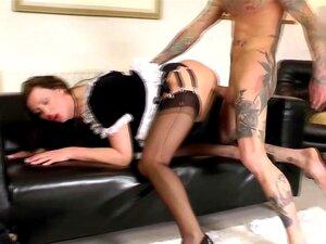 Dona De Casa Em Uniforme De Empregadas Domésticas Fica Fodida Porn