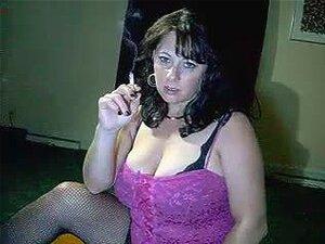 Mamãe Peituda Diz Para Gozar Enquanto Ela Fuma - Pelo Fogo-gelo Porn