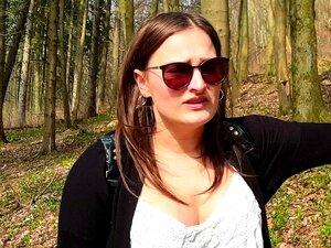 Estudante Holly Ao Ar Livre Depois Da Faculdade Fodeu Na Floresta Alemão Porn