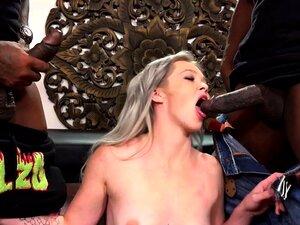 A Kay Carter Quer Dupla Penetração Com Grandes Pilas Pretas. Porn